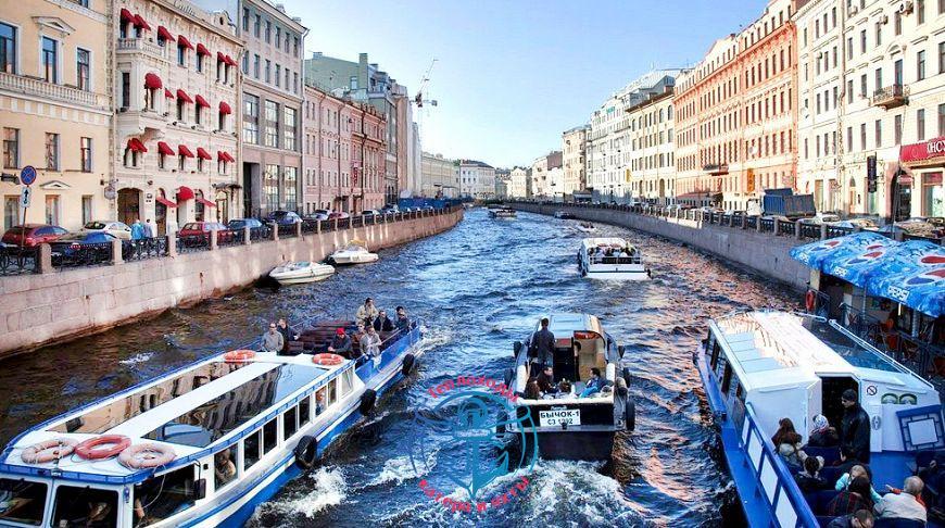 Речные трамвайчики в Санкт-Петербурге